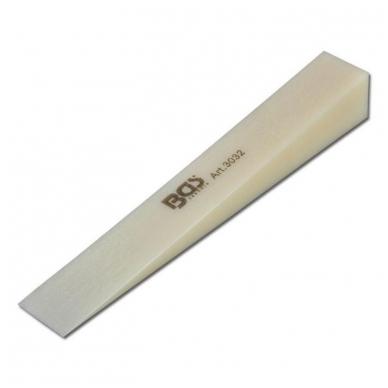 Pleištas plastikinis 185x25 mm 2